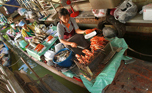 taling-chan-floating-market
